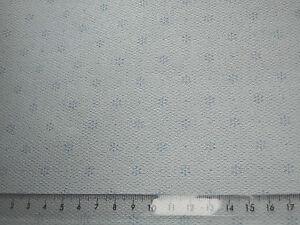 pastell-blaue-Bluemchen-auf-blassblau-TAPETE-ideal-f-PUPPENSTUBE-1-Bogen-30x53cm