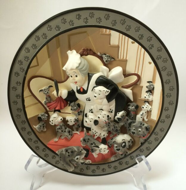 Disney Store 101 Dalmatians Look, Puppies Everywhere! 3D Plate Limited Edition