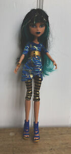 Cleo-de-Nile-Picture-Day-Monster-High-Doll-With-Accessories