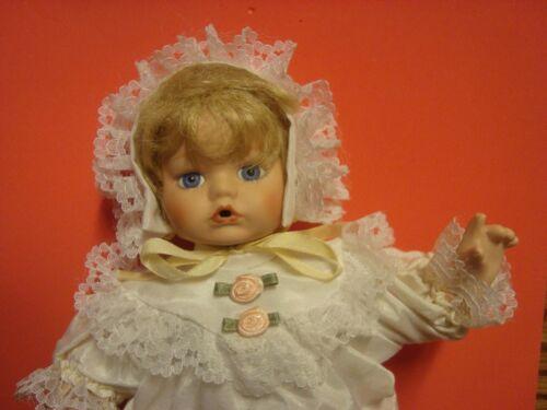 """Vintage Seymour Mann Vintage Limited Edition 9/"""" Porcelain Baby Doll Lace Bonnet"""