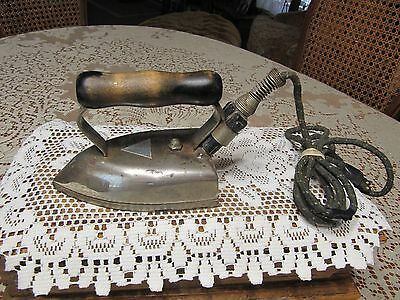 VTG American Beauty Iron w/ Cord No. 6 1/2  American Electric Heater Co Pat.1908