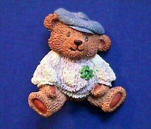 Avon-PIN-St-Patrick-Vintage-BEAR-Shamrock-Rhinestone-Irish-Holiday-Brooch