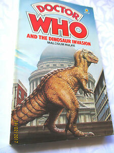 DOCTOR-WHO-The-Dinosaur-Invasion-MALCOLM-HULKE-1979-vintage-pb-SCIENCE-FICTION