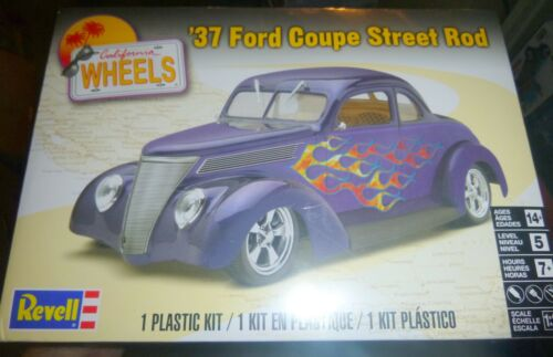 Revell 85-4097 1937 Ford Coupe Street Rod 1//24 Model Car Mountain FS