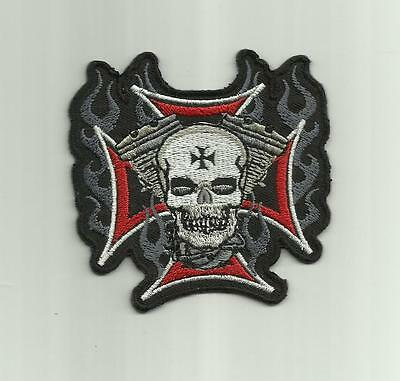 V8 SKULL IRON CROSS PATCH CLOTH EMBROIDERED ROCKABILLY GOTHIC MOTORCYCLE JACKET