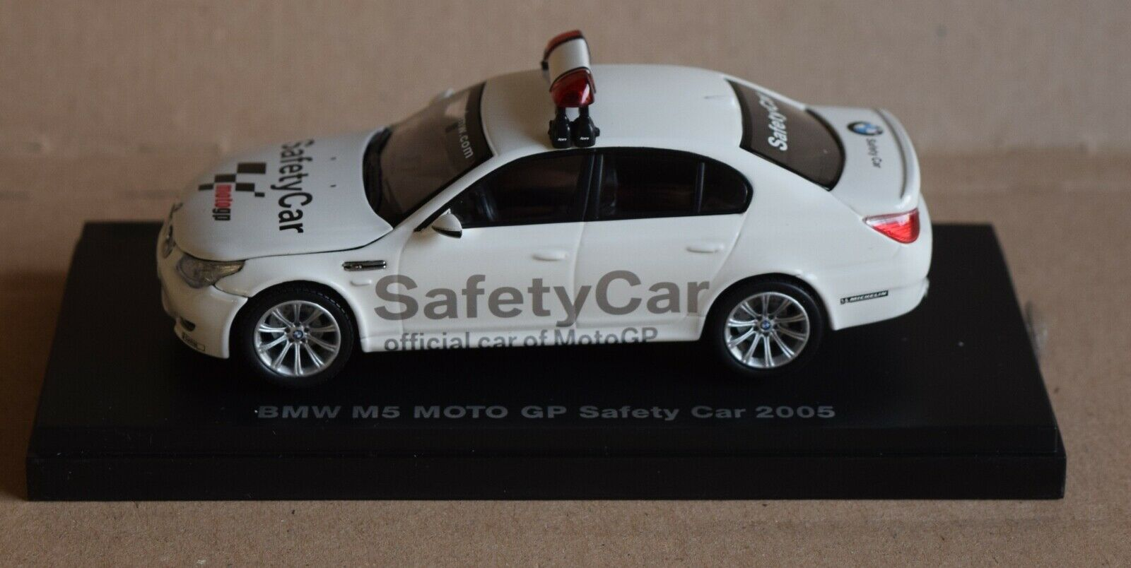 BMW M5; Safety Car Moto GP 2005; Kyosho; 1 43