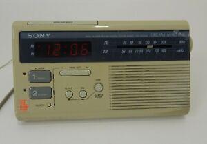 Vintage-Sony-Dream-Machine-Dual-Alarm-FM-AM-Digital-Clock-Radio-ICF-C220W