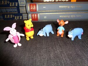 LOTTO-PERSONAGGI-WINNIE-THE-POOH-5-PLASTIC-FIGURES-ACCESSORI-DISNEY
