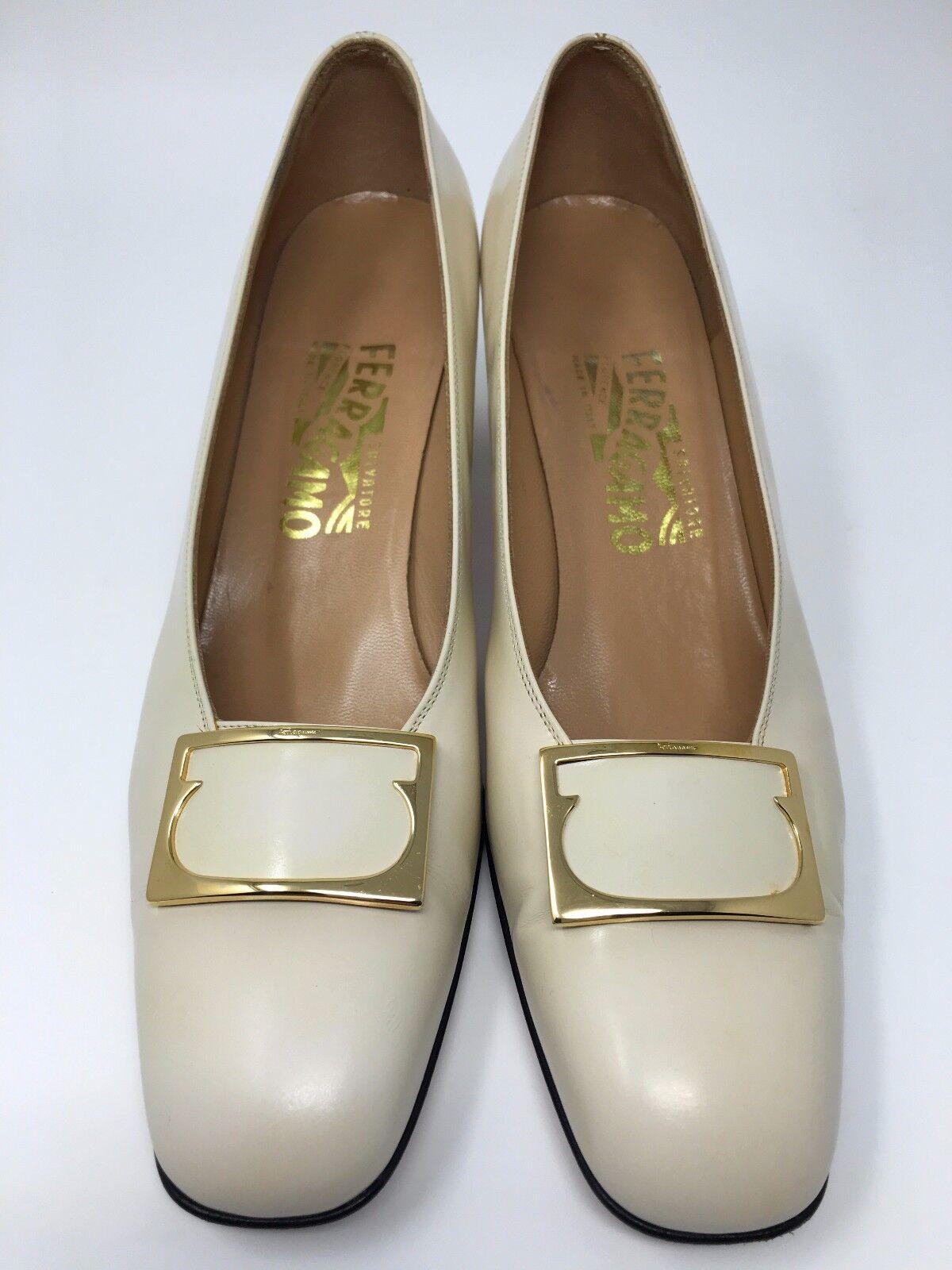 Salvatore Ferragamo damen schuhe Ivory Slip On Buckle Made in  Größe 9 AA