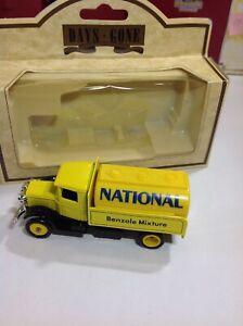 Lledo-Days-Gone-1934-Mack-Tanker-National-Benzole-Gas-Truck-3-5-034-Diecast-Model