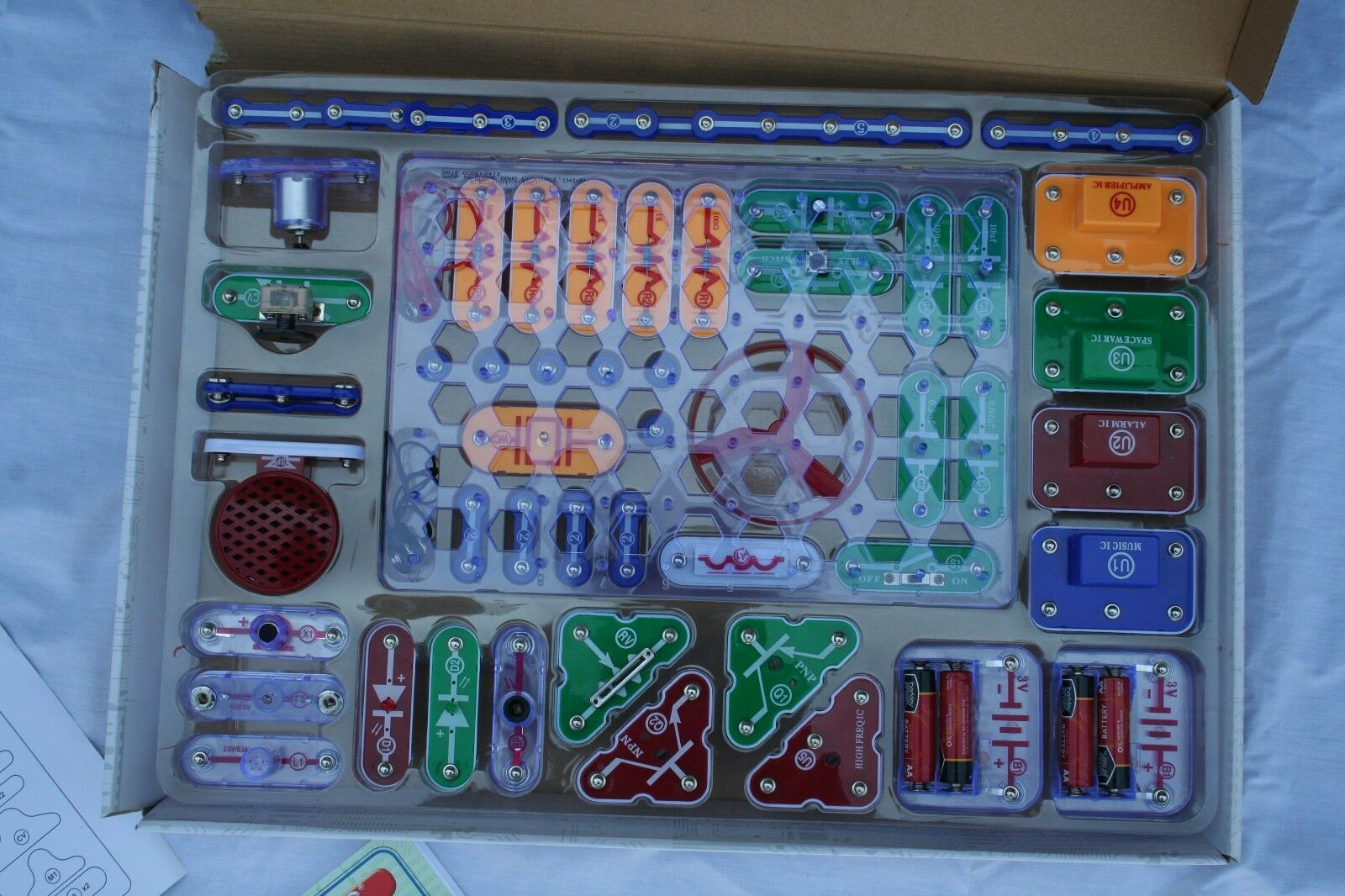 Electronic Snap Circuits Model Sc 300 By Elenco Complete Instruction Manual Hover To Zoom
