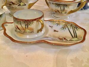 RARE-17th-C-Signed-Kutani-Fine-Eggshell-Porcelain-Gilt-Tea-Cup-amp-Molded-Saucer