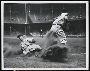 Joe-Dimaggio-1946-New-York-Yankees-Sliding-Type-1-Original-Photo-Crystal-Clear