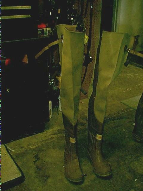 RUBBER IN SIDE &  OUT SIDE HIP  BOOTS WADERS TALL MEN  SZ 8 WOMEN SZ 9  offering 100%
