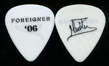 MICK JONES FOREIGNER 2014 CONCERT TOUR CUSTOM SIGNATURE GUITAR PICK
