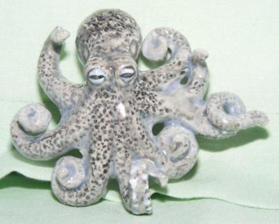 Klima Miniature Porcelain Animal Figure Seal on Side Dark K635
