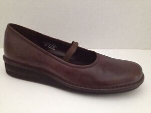 Kenneth Cole Reaction Shoes Womens Size 7 M Brown Loafers Oxford 7M Hello Dolly