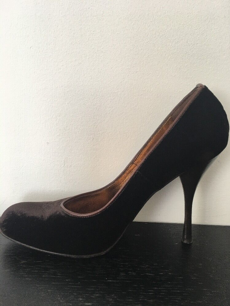 shoes Women BCBG Size 8 1 2 Velvet Brown