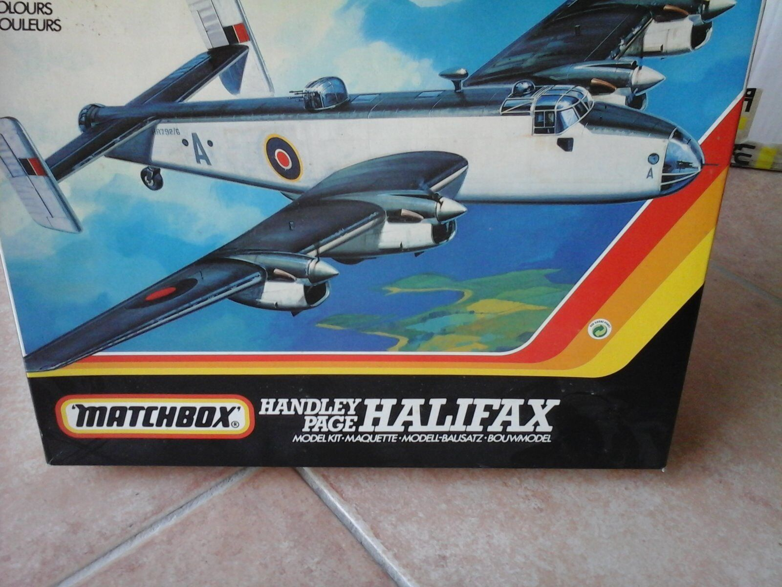 HANDLEY PAGE HALIFAX 1 72 SCALE MATCHBOX MODEL