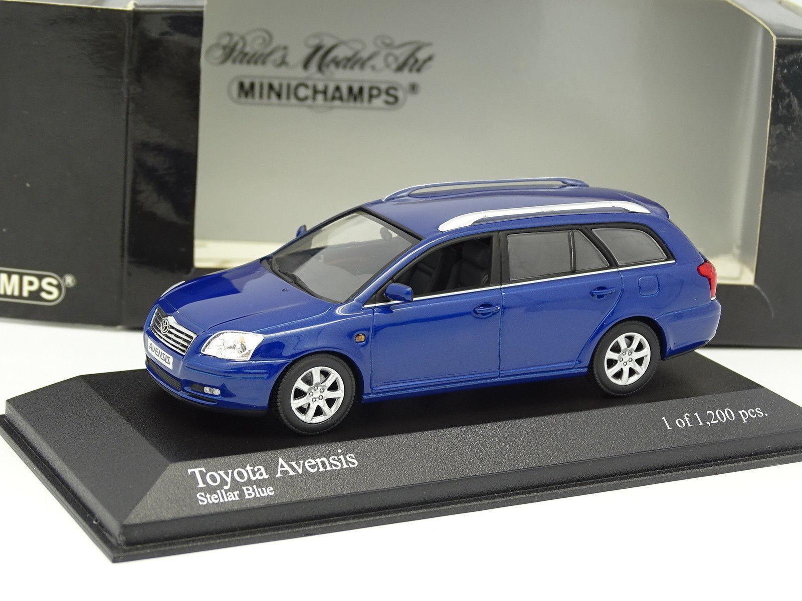 Minichamps 1 43 - Totota Avensis Break Bleue