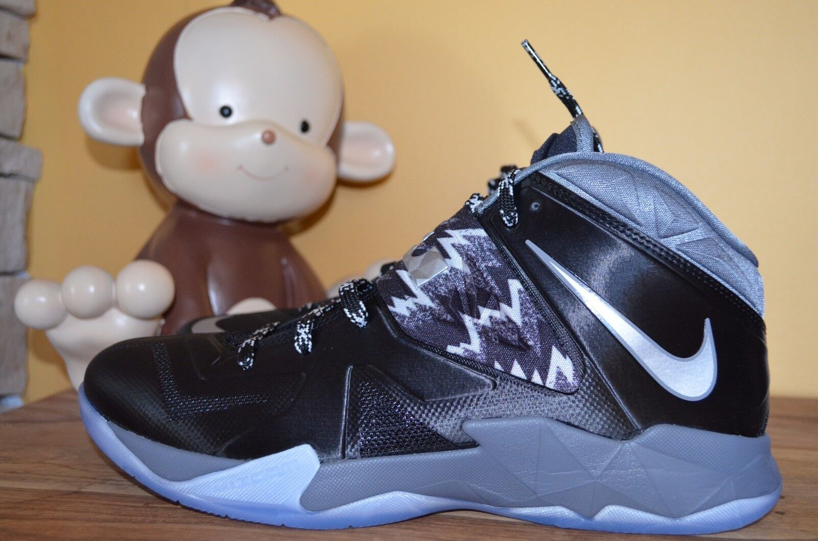 NEW NIKE ZOOM SOLDIER VII PP Black/Silver/Cool Grey SZ 11 12 Lebron 609679-001
