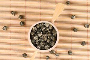 Новый 100% органические первоклассный King класса жасмин Dragon Pearl мяч китайский зеленый чай
