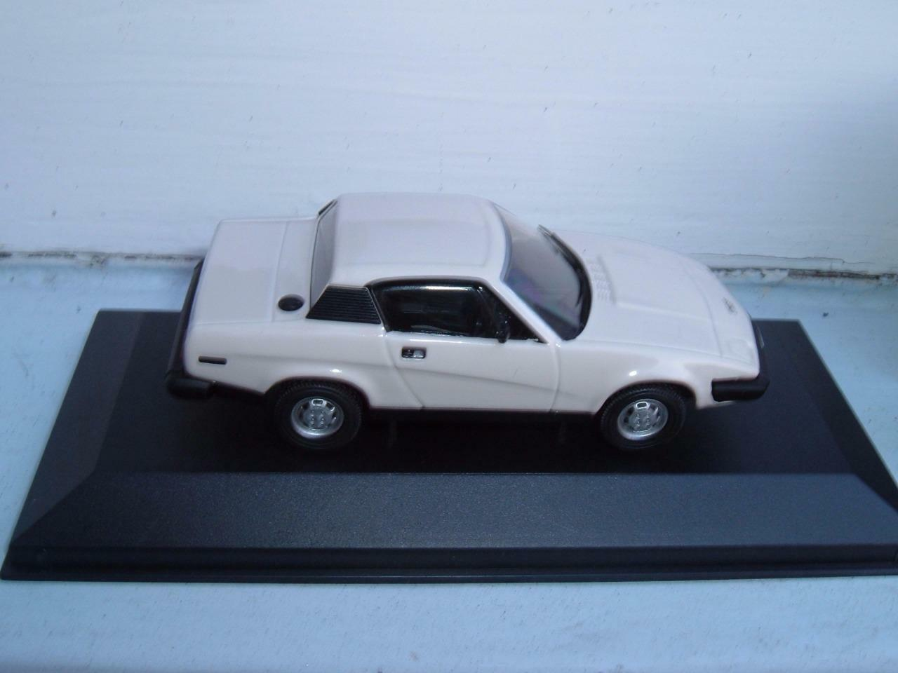 VANGUARDS VA10502 TRIUMPH TR7 IN NEW WHITE VERY CLEAN WITH ITS BOX