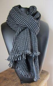 Echarpe-Echarpe-100-laine-Homme-motifs-rayures-gris-noir-206-X-53-cm