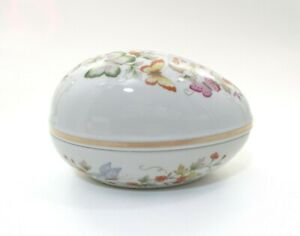 Vintage-1979-Avon-Butterfly-Fantasy-Porcelain-Treasure-Egg-Trinket-Box