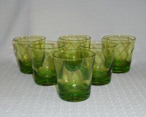 Federal-Swirl-Limelight-Green-Glass-Spiral-Optic-Old-Fashioned-Glasses-6