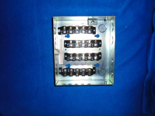 NEW IN BOX OLD STOCK HONEYWELL Q520A1121 SUB BASE FOR R4150 FOUR SIDED TERMINALS