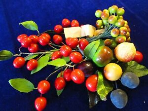Vintage-Millinery-Flower-Fruit-Berry-Collection-Red-Green-3-8-1-034-German-H3115
