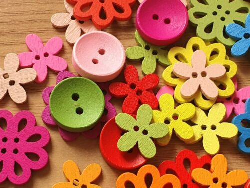 25 Mixed SHAPES AND COLOURS WOODEN ROUND FLOWER BUTTONS up to 22mm Crafts Sewing