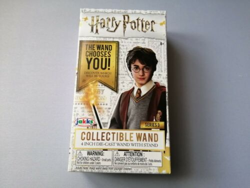 Harry Potter Collectible Wand 4 in environ 10.16 cm DIE-CAST avec support Série 3 New BOXED