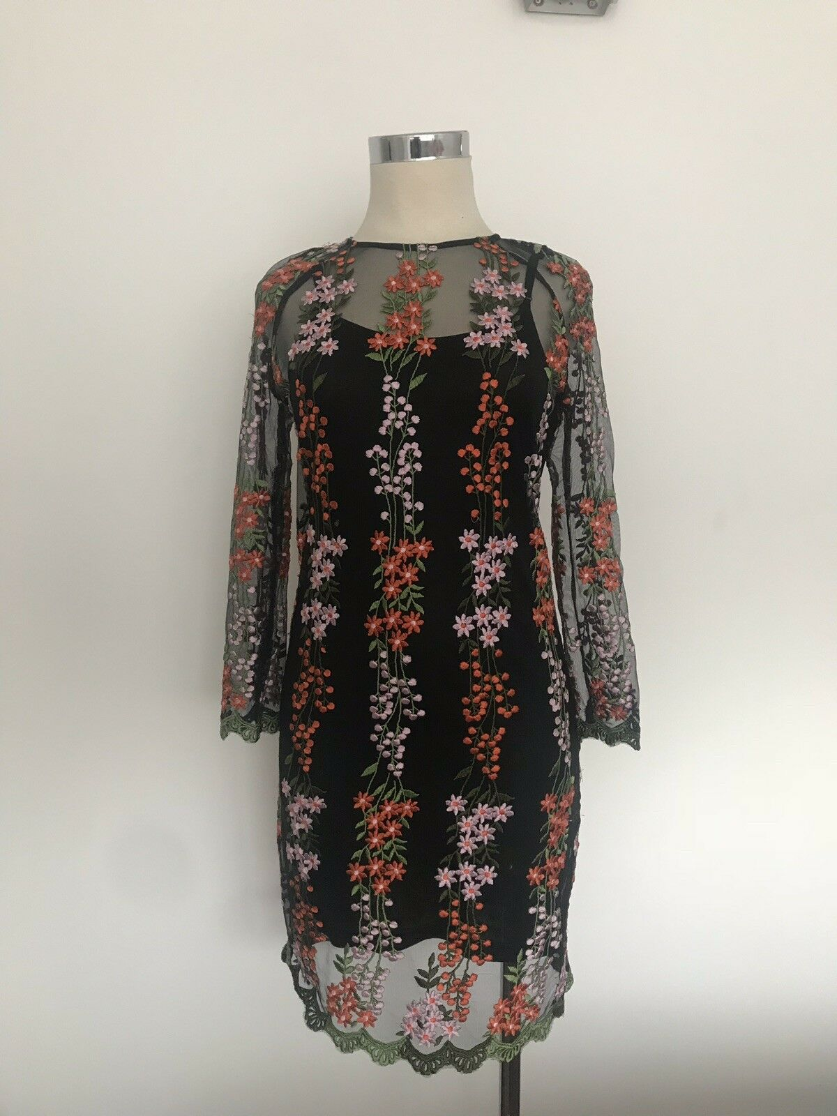True Decadence New Beautiful Floral Party Dress Size 10
