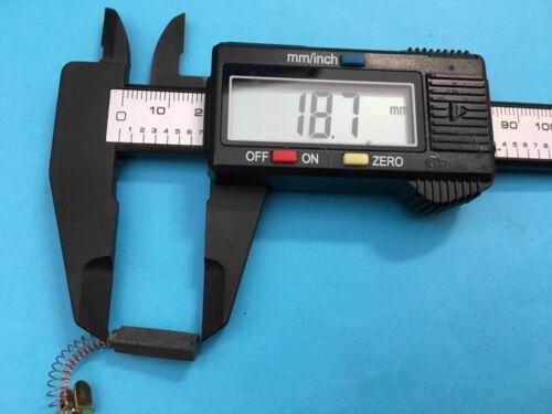 2 Stk.Motor-Kohlen Kohle-Bürsten,4x5 mm,geeignet für viele Pfaff Nähmaschinen