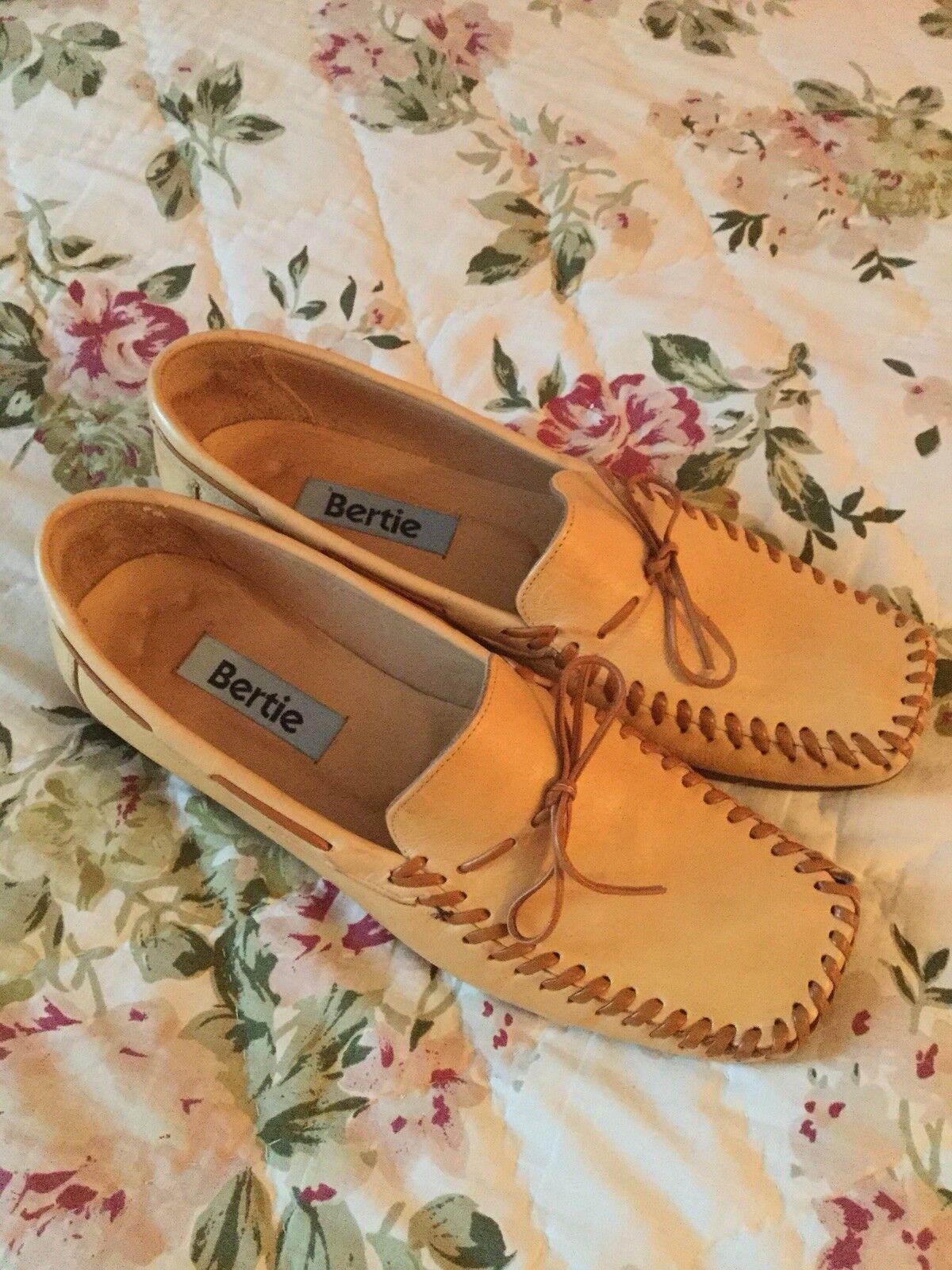 Rare Designer BERTIE Beige Leather Bow Detail shoes-Uk 5 38-