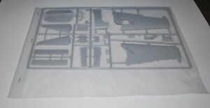 TRUMPETER-F6F-3-HELLCAT-02256-PARTS-SPRUE-C-PORT-WING-ASSEMBLY-MORE-1-32