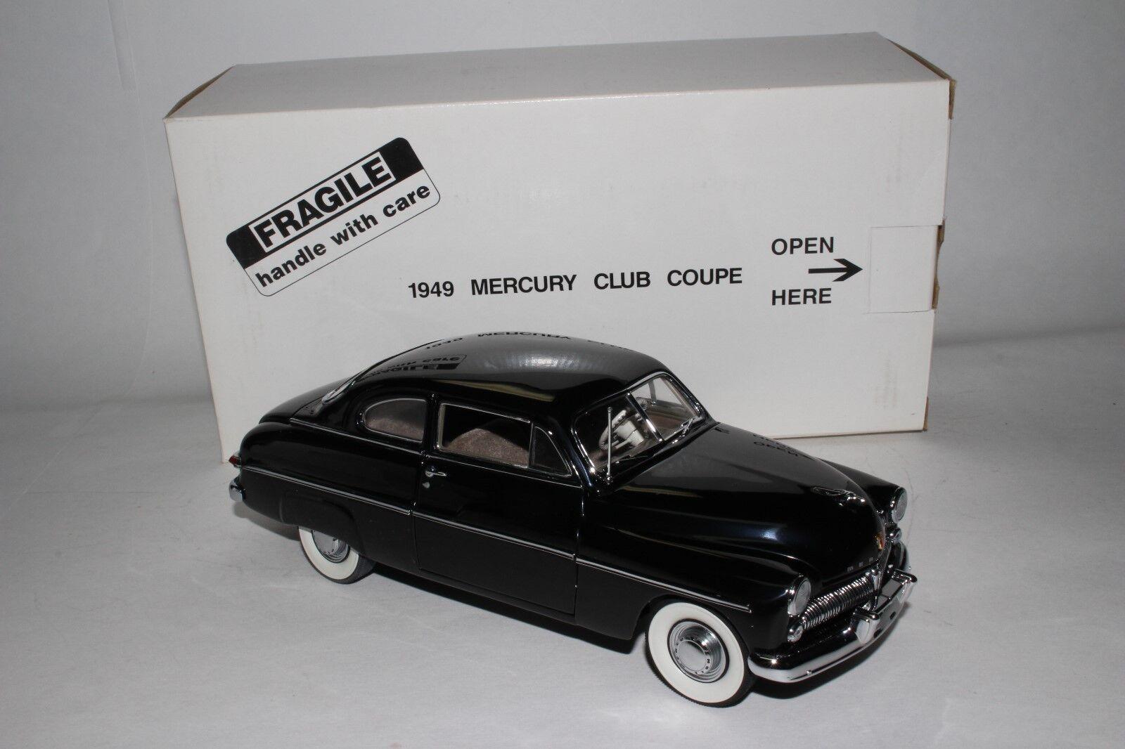 Danbury Neuf 1949 Mercury Club Coupe, Noir, 1 24 Echelle Moulage sous Pression