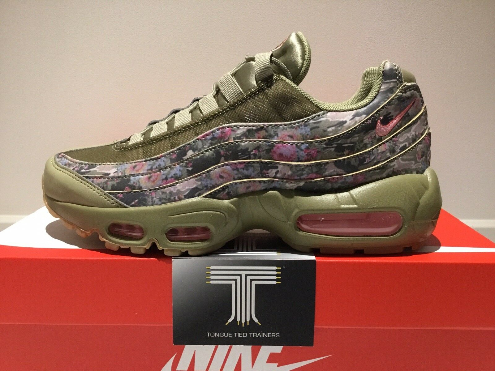 Nike Air Max 95  AQ6385 200  Uk Size 5  Euro 38.5