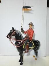 alte Kunststoff Figur zu 10cm Mountie Canadier Polizist Reiter Hausser Elastolin