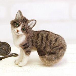 Hamanaka - Japanese Wool Needle Craft Felting Kit - Norwegian Forest Cat
