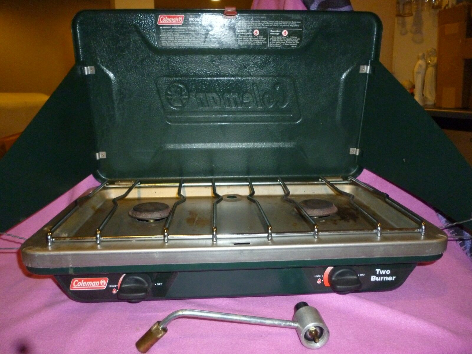 Coleman Propane  Stove, 2-burner, Auto-Ignite  VGC  all in high quality and low price