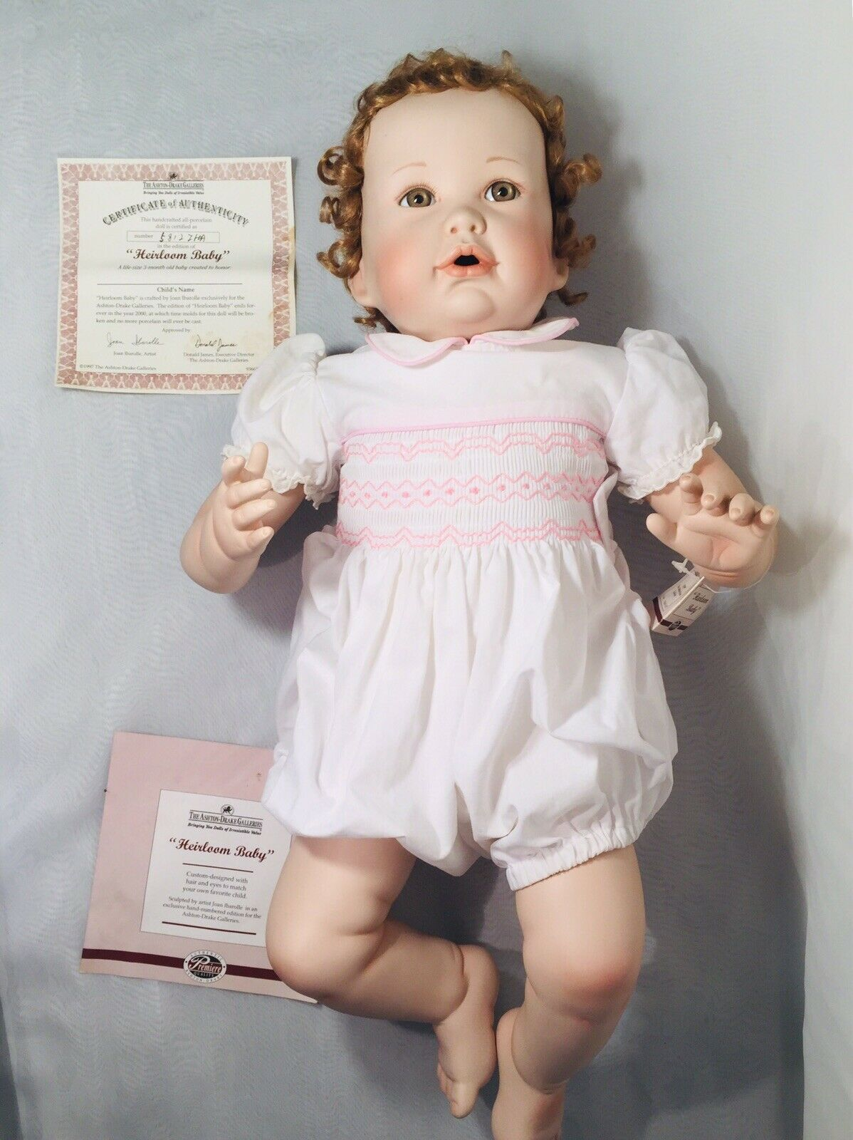 ASHTON DRAKE GALLERIES HEIRLOOM BABY JOAN IBAROLLE. Porcelain Doll