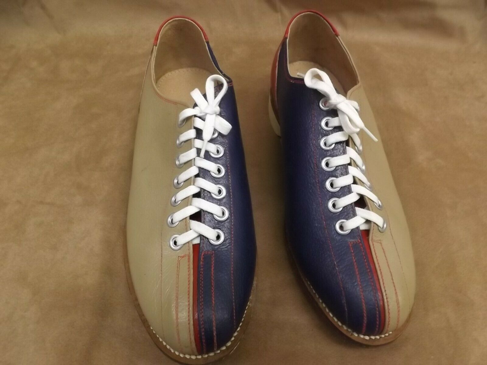 VTG NEW NOS bluee Red Tan Leather Soles & Upper Bowling Rental shoes Womens Sz 9