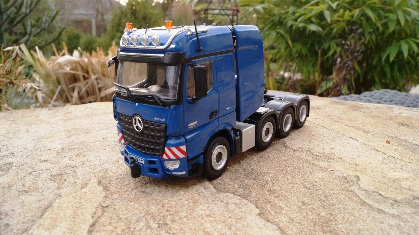 NZG MERCEDES-BENZ AROCS Big Space SLT 4 ACH  BLU  937-20 1:50