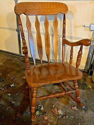 watch 32af3 aa706 Solid Oak Rocking Chair - Preowned | eBay