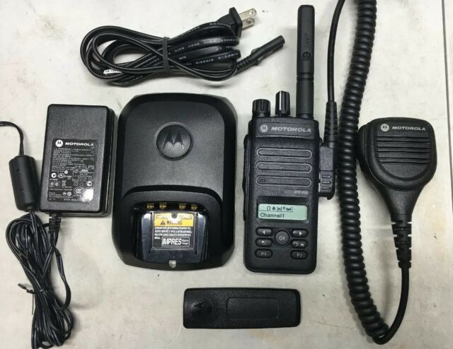 Motorola MOTOTRBO XPR 3500 XPR3500 UHF Radio 403-512 MHz AAH02RDH9JA2AN