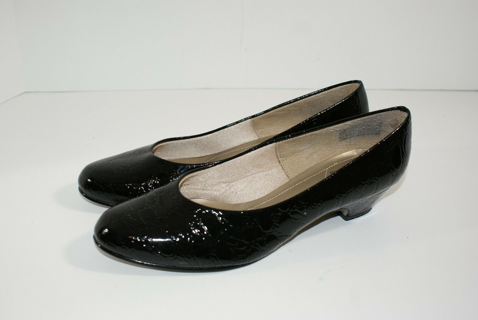 Soft Wedge Style Black Patent Leather Look Croc Pattern 1.5