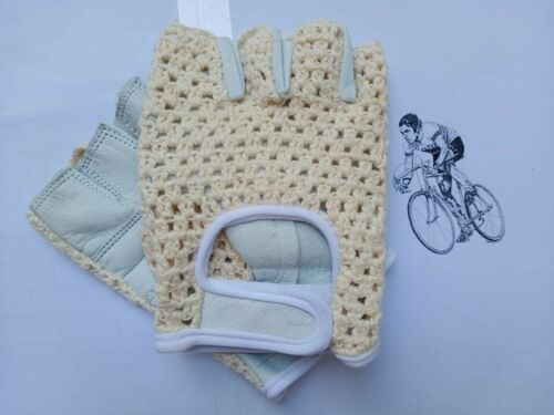 Vintage Style Crochet SKIN COLOR Cycling Mitt.